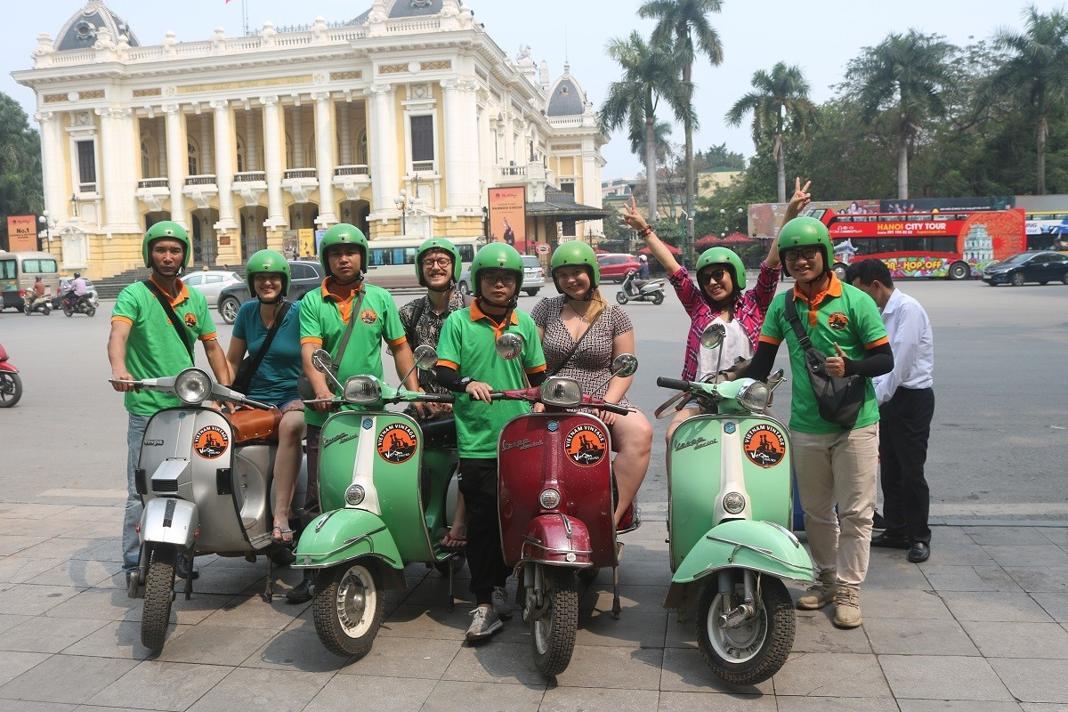 THE INSIDER'S HANOI VESPA TOUR (4.5 HOURS)
