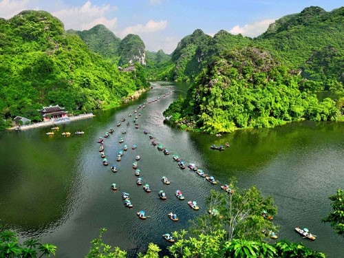 TRANG AN - BICH DONG LUXURY TOUR (1 DAY)